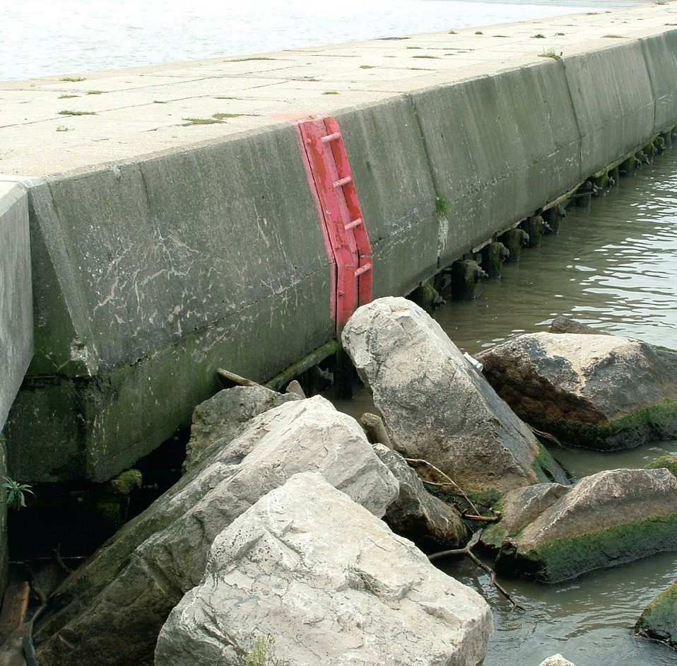 Unit10-section1-typical-breakwater