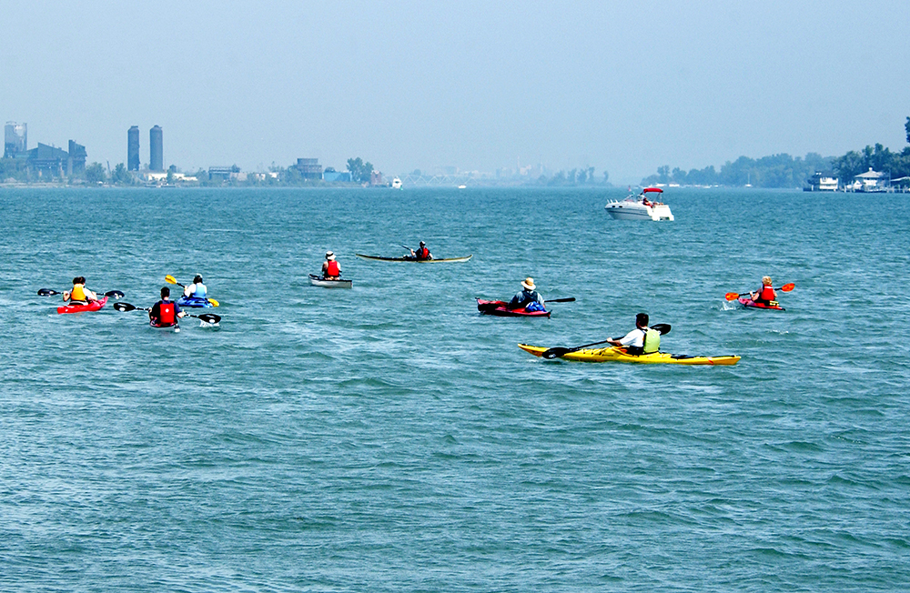 Kayak event on the Detroit River
