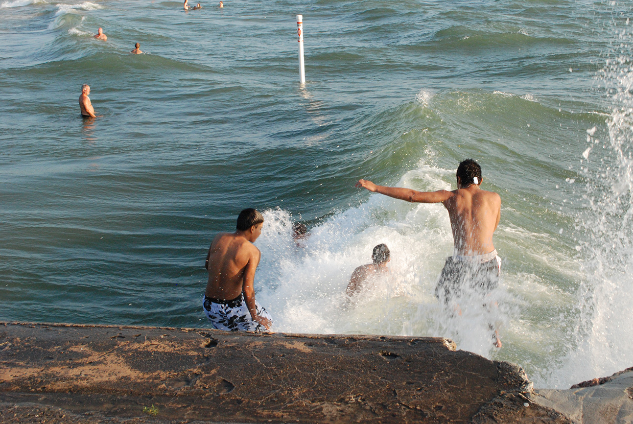 Young males at higher risk of drowning in the Great Lakes, research