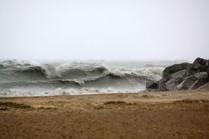 Large waves on Lake Michigan