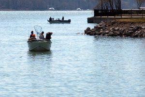 2 boats fishing